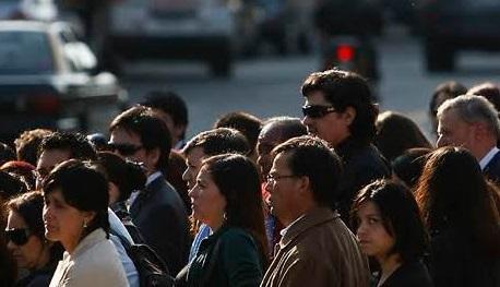 Comisión para el Mercado Financiero presenta radiografía del endeudamiento de las personas en Chile