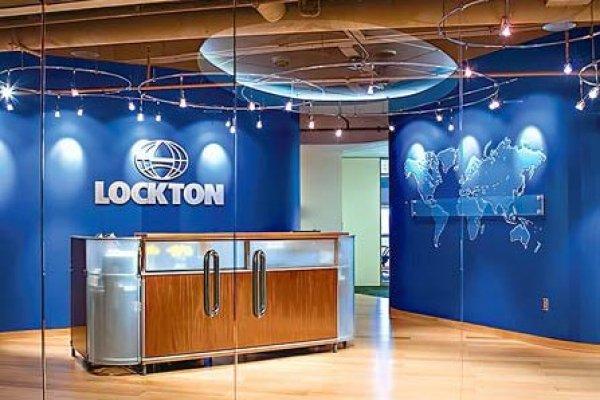 Lockton, uno de los mayores brokers de seguros del mundo, afina ingreso a Chile y recluta a ejecutivos